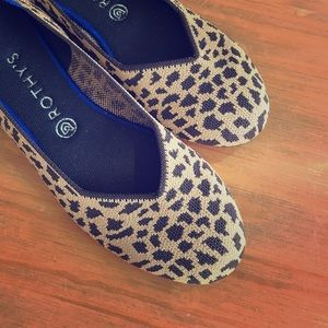 Rothy's size 11 EEUC spotted flats washable